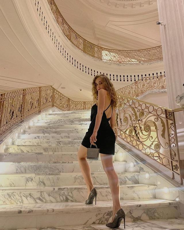 Người mẫu Ukraine phủ nhận tin bị bắt vì chụp ảnh khỏa thân ở Dubai - 1
