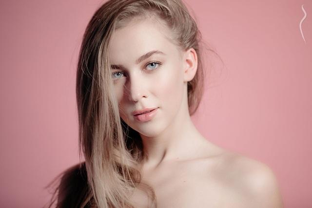 Người mẫu Ukraine phủ nhận tin bị bắt vì chụp ảnh khỏa thân ở Dubai - 2
