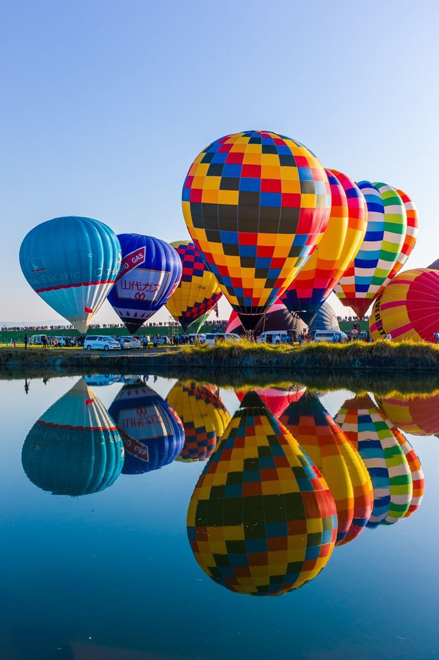 Đắm mình vào mùa thu Nhật Bản trong lễ hội khinh khí cầu lớn nhất châu Á - 6