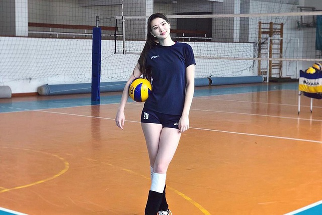 Nữ thần bóng chuyền châu Á bị xa lánh vì... quá xinh đẹp - 3