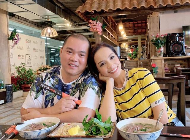Cựu siêu mẫu Thúy Hạnh đăng ảnh chồng đen thui khiến dân mạng cười xỉu - 10