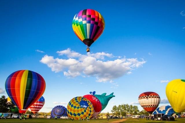 Đắm mình vào mùa thu Nhật Bản trong lễ hội khinh khí cầu lớn nhất châu Á - 4