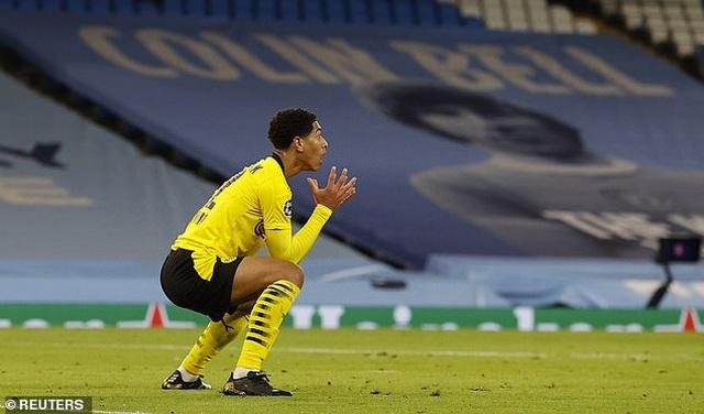 Tranh cãi sao trẻ tuyển Anh mất oan bàn thắng trước Man City - 3