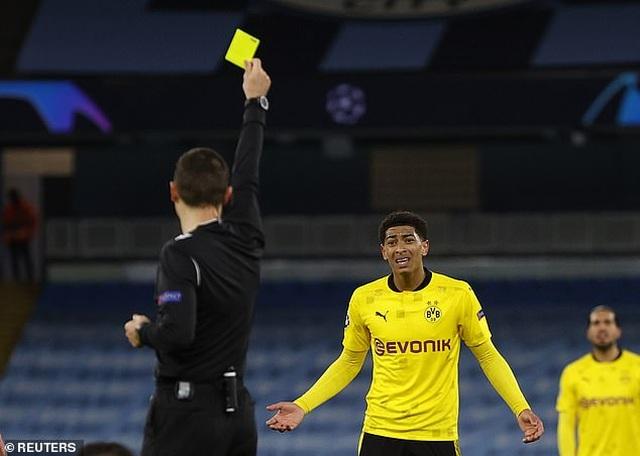 Tranh cãi sao trẻ tuyển Anh mất oan bàn thắng trước Man City - 4