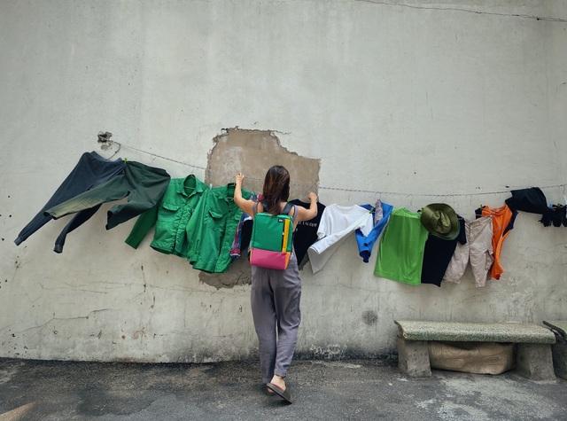 Bỏ việc lương cao, ba cô gái Việt mở thương hiệu thời trang từ… bạt bỏ đi - 3