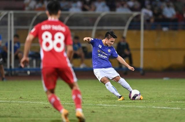 CLB Hà Nội 0-1 CLB Viettel: Trọng Hoàng ghi bàn, Quang Hải kém duyên - 1