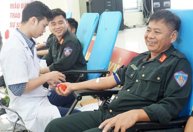 Cảnh sát cơ động 19 lần hiến máu tình nguyện