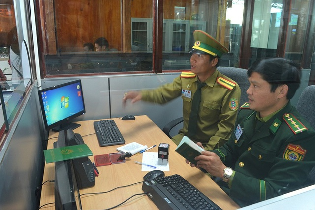 Bộ Ngoại giao kiến nghị tạm dừng một cửa một lần dừng ở cửa khẩu Lao Bảo - 2