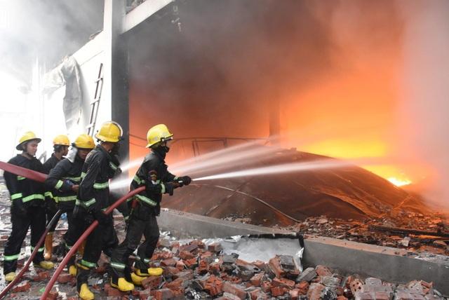 Súng lại nổ ở Myanmar, thêm nhà máy Trung Quốc bị phóng hỏa - 1