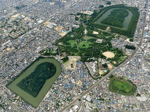 Thăm khu lăng mộ của Thiên hoàng thần thoại Nhật Bản - 4