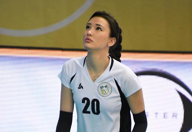 Nữ thần bóng chuyền châu Á bị xa lánh vì... quá xinh đẹp - 6