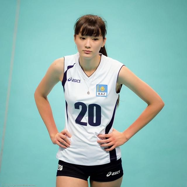 Nữ thần bóng chuyền châu Á bị xa lánh vì... quá xinh đẹp - 5