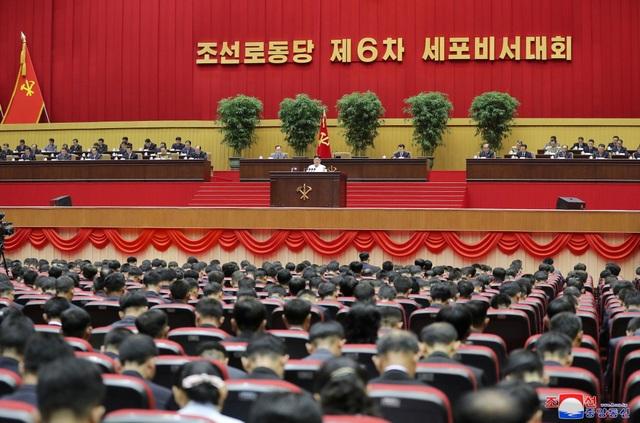 Ông Kim Jong-un: Triều Tiên đang đối mặt tình hình tồi tệ nhất - 8