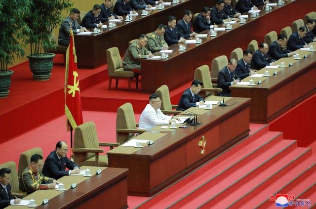 Ông Kim Jong-un: Triều Tiên đang đối mặt tình hình tồi tệ nhất - 3