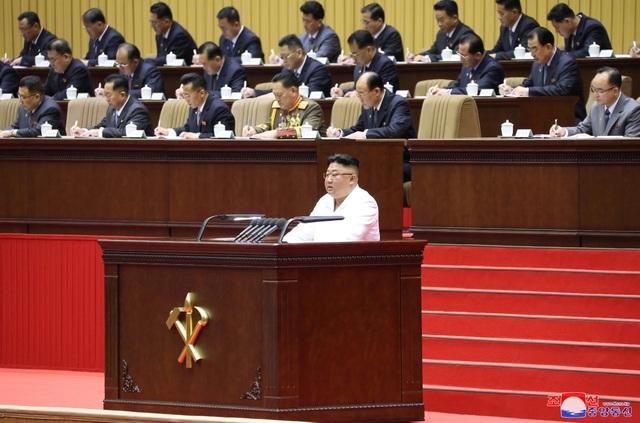 Ông Kim Jong-un: Triều Tiên đang đối mặt tình hình tồi tệ nhất - 1