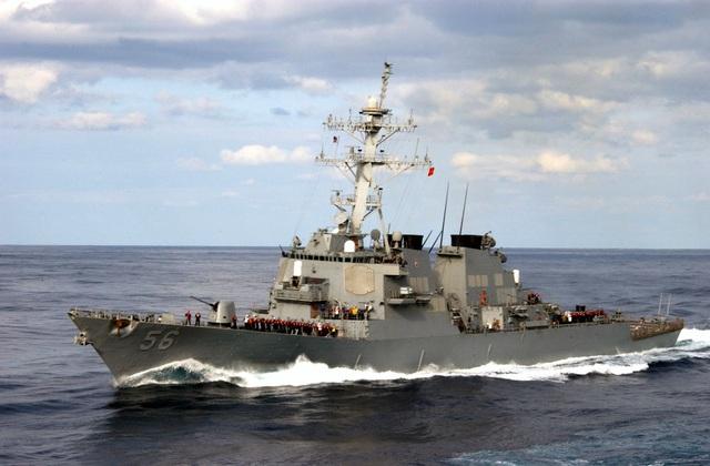 Tàu chiến Mỹ đi qua eo biển Đài Loan giữa lúc căng thẳng - 1