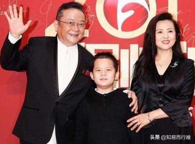 Hòa Thân Vương Cương: 3 đời vợ mới tìm được hạnh phúc bên fan kém 20 tuổi - 7