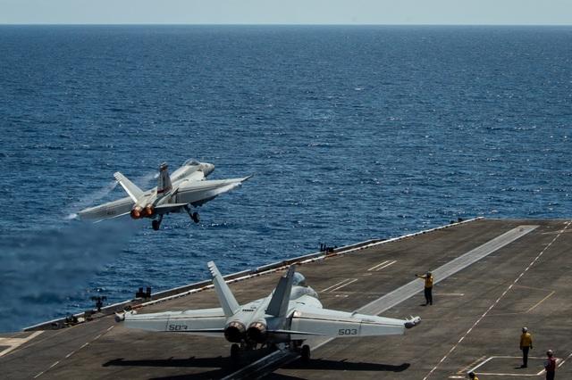 Mỹ dồn dập đưa tàu chiến tới Biển Đông, thách thức Trung Quốc - 2