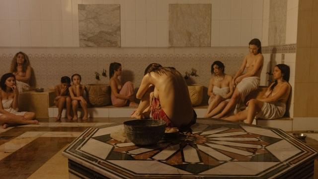 Bộ ảnh trong nhà tắm làm thay đổi cách nhìn về phụ nữ Ả Rập - 2