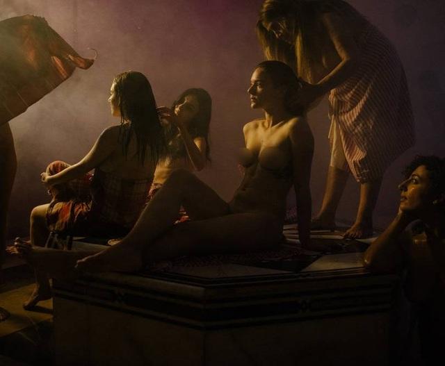 Bộ ảnh trong nhà tắm làm thay đổi cách nhìn về phụ nữ Ả Rập - 3