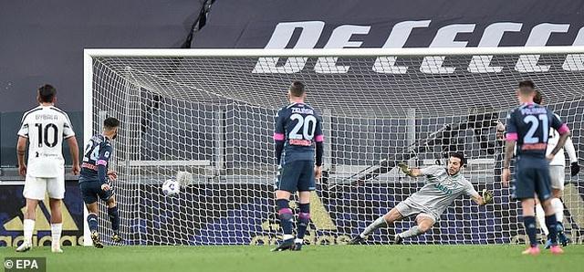 C.Ronaldo chói sáng, Juventus xuất sắc hạ gục Napoli - 4