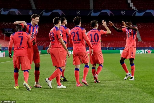 Vượt qua cú sốc, Chelsea đặt một chân vào bán kết Champions League - 6