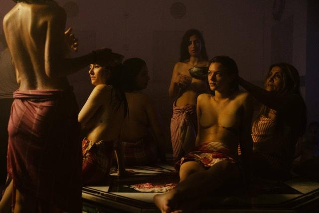 Bộ ảnh trong nhà tắm làm thay đổi cách nhìn về phụ nữ Ả Rập - 4