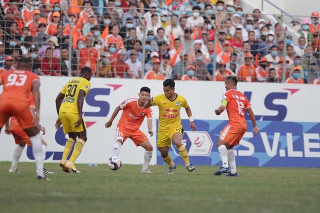 Đà Nẵng 0-2 HA Gia Lai: Bàn thắng siêu đỉnh của Văn Toàn - 11
