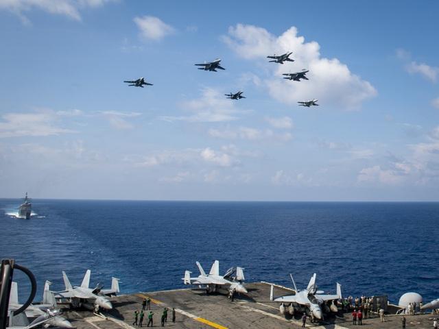 Tàu sân bay Mỹ diễn tập với tiêm kích Su-30 Malaysia trên Biển Đông - 2