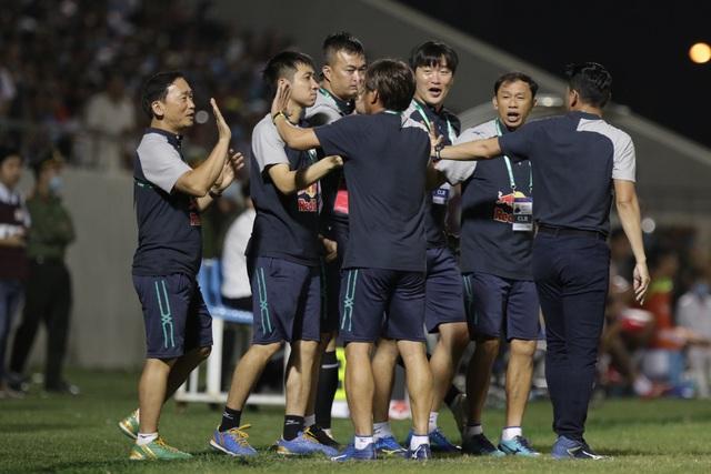 Đà Nẵng 0-2 HA Gia Lai: Bàn thắng siêu đỉnh của Văn Toàn - 3