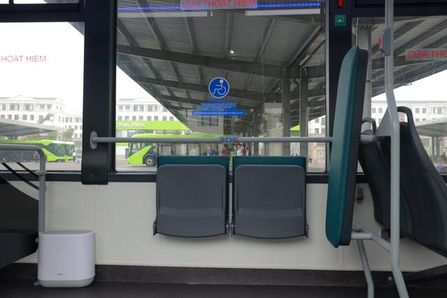 Xe buýt điện của tỷ phú Phạm Nhật Vượng chính thức lăn bánh - 5