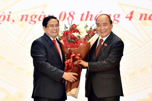 Tân Thủ tướng nhận bàn giao Chính phủ, công bố bổ nhiệm 14 nhân sự - 1