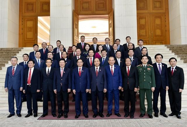 Tân Thủ tướng nhận bàn giao Chính phủ, công bố bổ nhiệm 14 nhân sự - 2