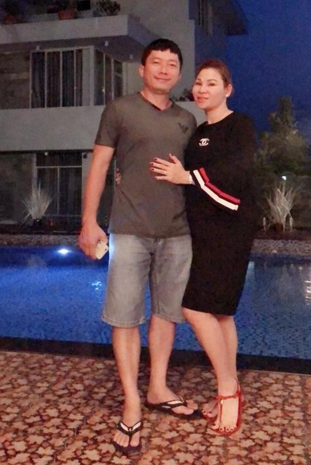Hôn nhân kín tiếng của Kinh Quốc và người vợ đại gia  - 4