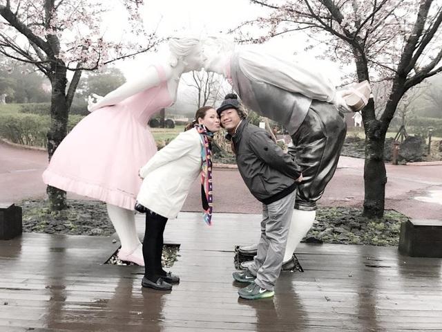 Hôn nhân kín tiếng của Kinh Quốc và người vợ đại gia vừa vướng vòng lao lý - 4
