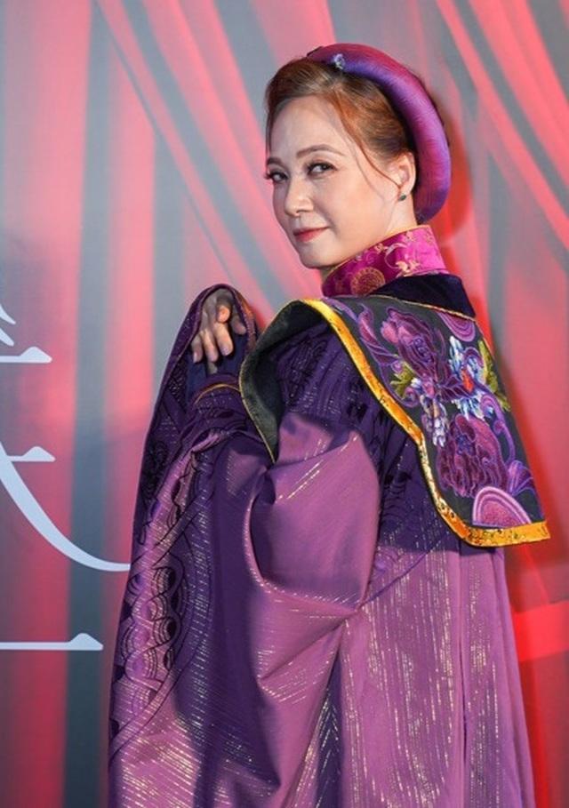 Phương Thanh tiết lộ phải độn ngực phì nhiêu để vào vai Tú Bà - 5