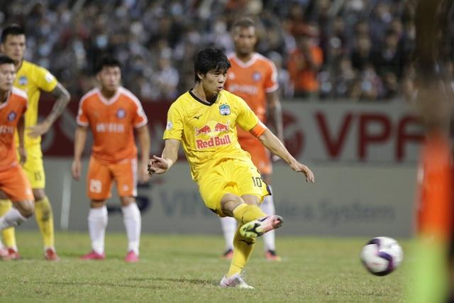 Đà Nẵng 0-2 HA Gia Lai: Bàn thắng siêu đỉnh của Văn Toàn - 4