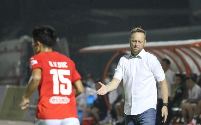 Lee Nguyễn ghi bàn giúp CLB TPHCM thắng đậm SL Nghệ An - 3