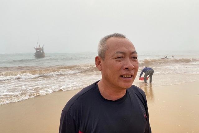 Trúng đậm cá nục mộng, ngư dân Quảng Bình thu tiền triệu mỗi đêm - 6