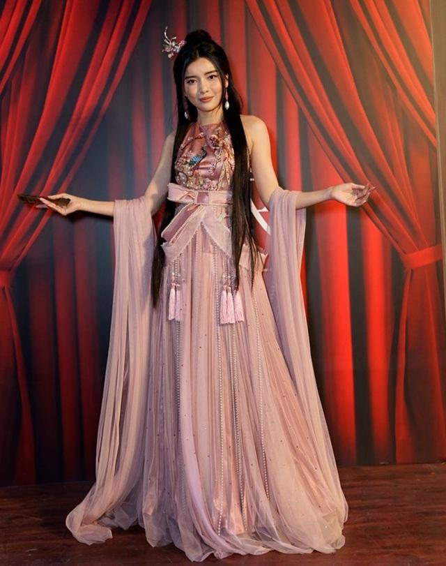 Phương Thanh tiết lộ phải độn ngực phì nhiêu để vào vai Tú Bà - 3