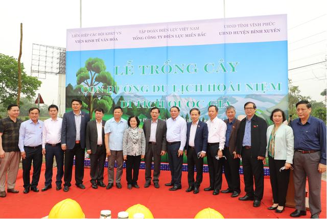 Tổng công ty Điện lực miền Bắc hưởng ứng Lễ trồng cây trên các Con đường du lịch hoài niệm các di tích Quốc gia - 1