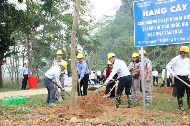 Tổng công ty Điện lực miền Bắc hưởng ứng Lễ trồng cây trên các Con đường du lịch hoài niệm các di tích Quốc gia - 3