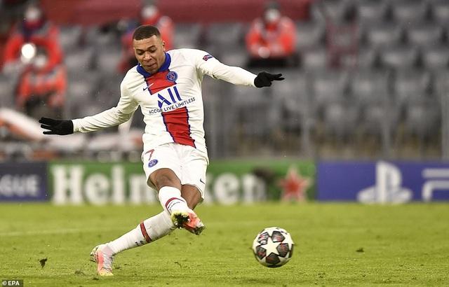 Những khoảnh khắc Mbappe rực sáng nhấn chìm Hùm xám Bayern Munich - 13