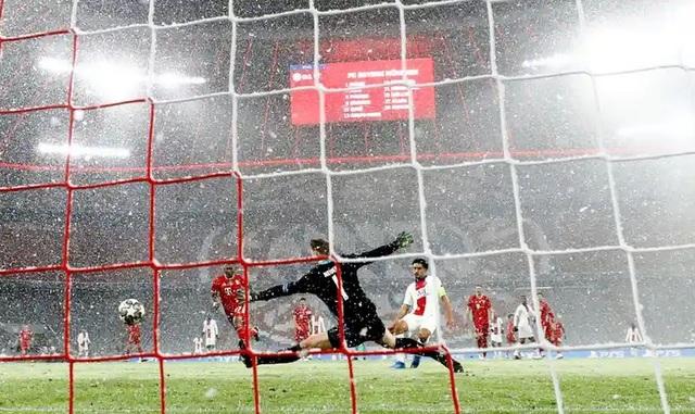 Những khoảnh khắc Mbappe rực sáng nhấn chìm Hùm xám Bayern Munich - 6