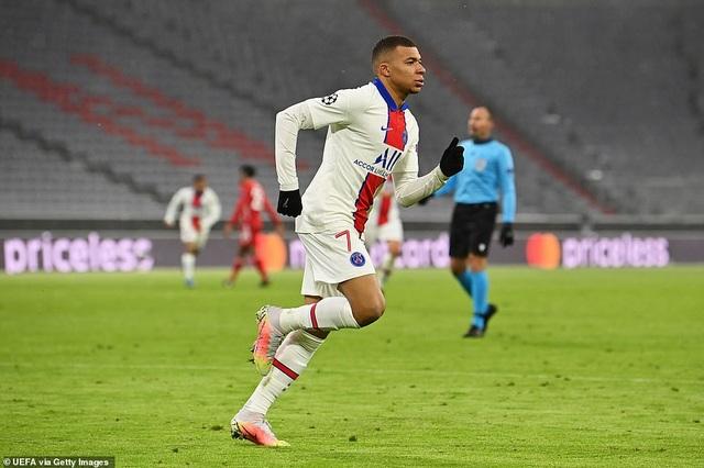 Những khoảnh khắc Mbappe rực sáng nhấn chìm Hùm xám Bayern Munich - 15