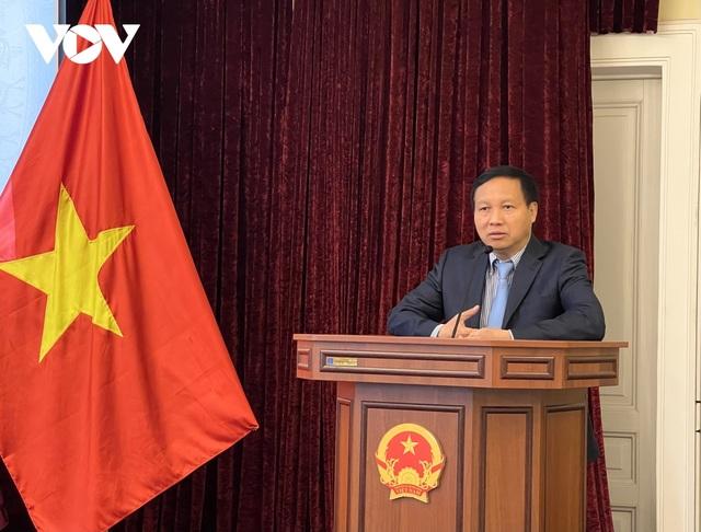 Khen thưởng tập thể, cá nhân xuất sắc trong cộng đồng người Việt tại Nga - 1