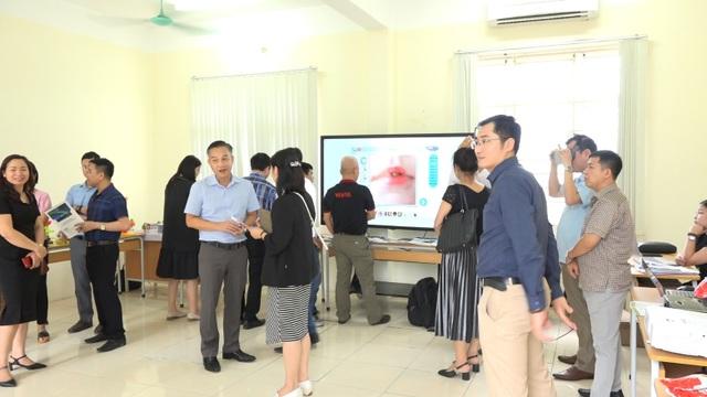 Cộng đồng các doanh nghiệp công nghệ giáo dục Việt Nam tổ chức hội thảo về giáo dục thông minh tại Hòa Bình - 5