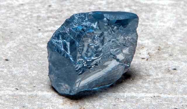 Đào được viên kim cương xanh khủng, chất lượng đặc biệt - 1