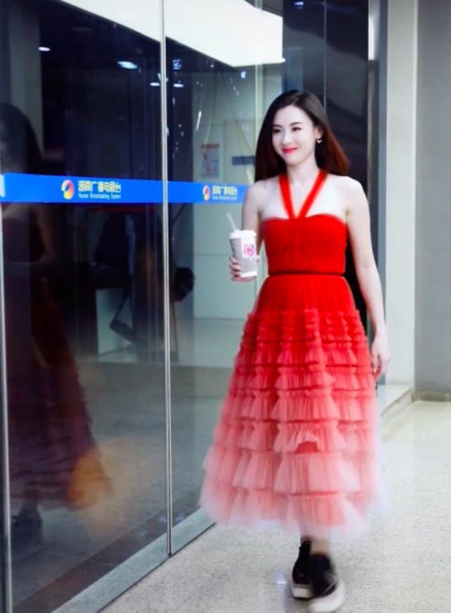 Trương Bá Chi trẻ đẹp như teen girl, kiếm bộn tiền nhờ tin đồn bầu bí - 11