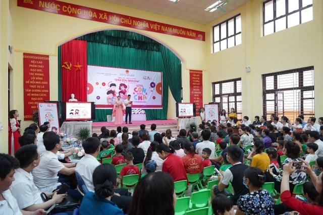 Hàng trăm phụ huynh hào hứng tham gia chương trình Sinh Con, Sinh Cha ở Bắc Ninh - 1
